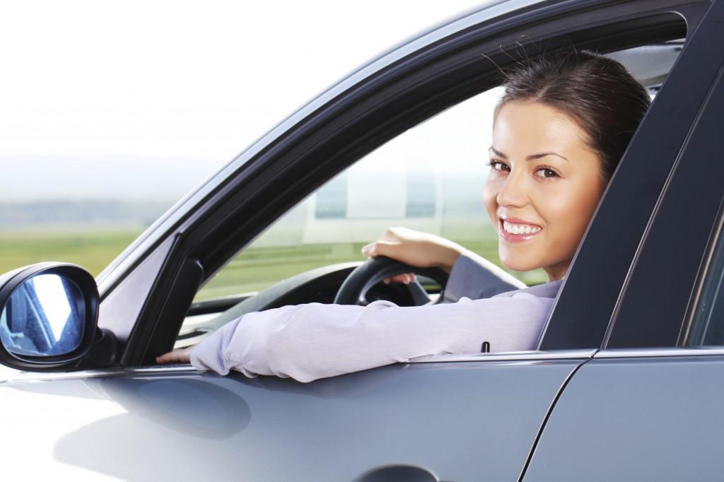 Souscrivez une assurance auto au mois.